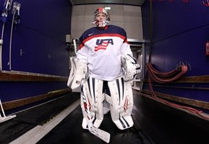 MALMO, SWEDEN - MARCH 31: USA's Molly Schaus #30 gets set to take on Russia during preliminary round action at the 2015 IIHF Ice Hockey Women's World Championship. (Photo by Andre Ringuette/HHOF-IIHF Images)